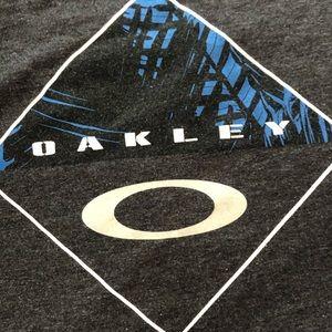 Oakley Tshirt - Large